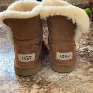 Toddler Uggs size 9